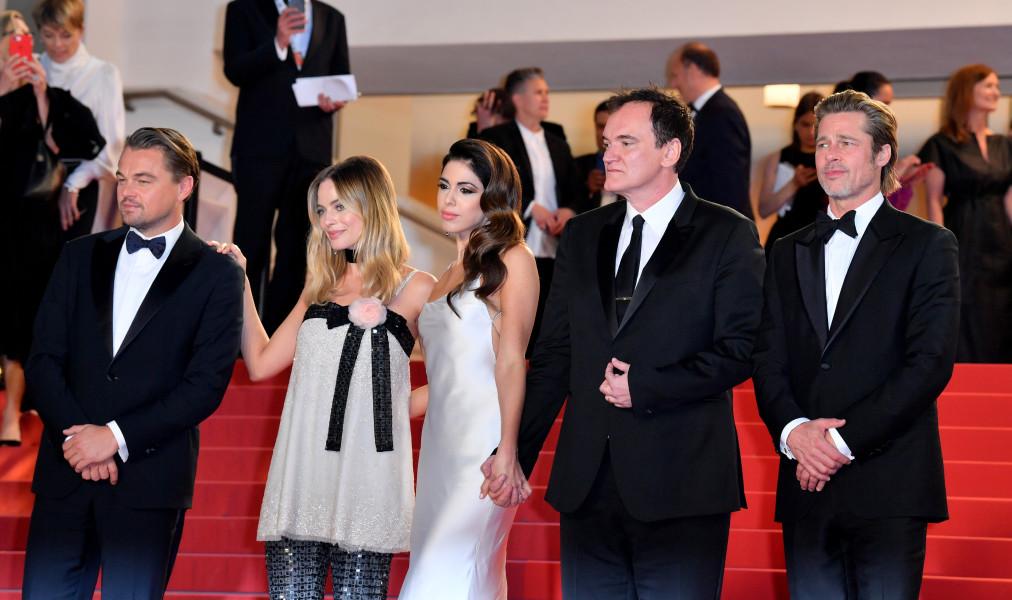 Leonardo DiCaprio, Margot Robbie, Daniela Pick, Quentin Tarantino y Brad Pitt en el estreno de Había una vez...en Hollywood. (Foto: Anthony Harvey, Shutterstock)